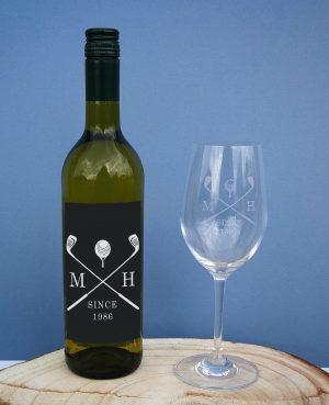 golf white wine gift set personalised bottle glass 2